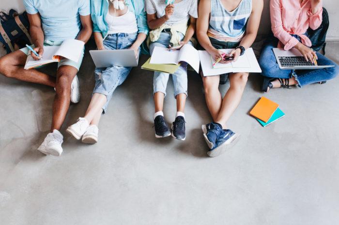 Étudiants: ouvrons-leur l'avenir!